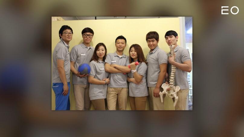 재활 프로그램을 운영하는 헬스장을 운영하던 시절의 모션케어컴퍼니 지용진 대표와 직원들