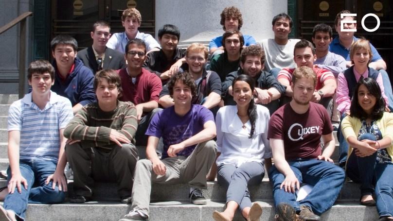 코너 즈윅이 함께했던 티엘 펠로우십 멤버들의 단체 사진