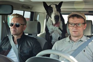 Casper Christensen and Frank on the road with the Great Grand Danois in Klovn Forever. Casper is wearing Cliff Sunnies by Entourage of 7.