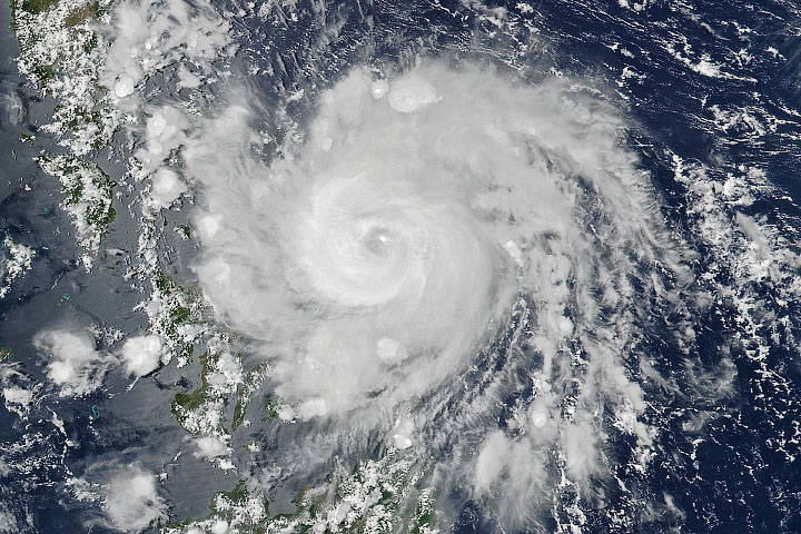 Vongfong Makes Landfall in the Philippines