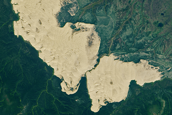 An Unexpected Expanse of Sand in Alaska