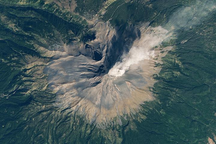 An Outburst from Popocatépetl
