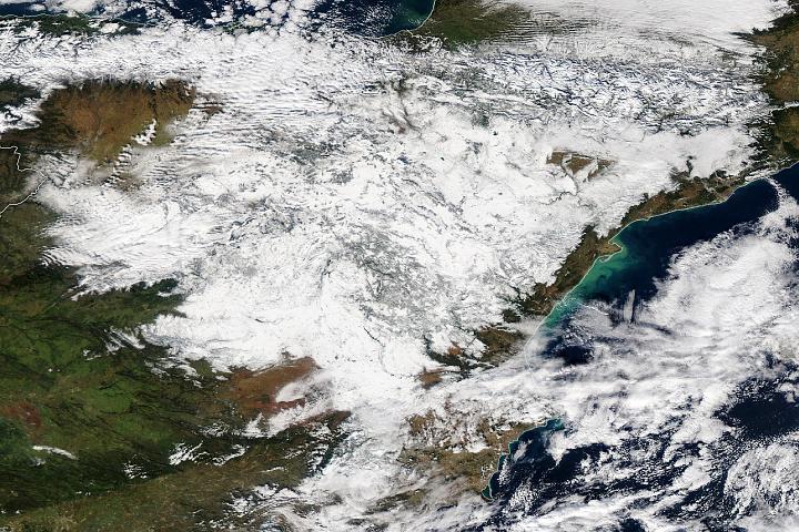 Heavy Snowfall Blankets Spain