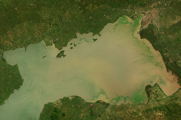 Lake Victoria's Rising Waters