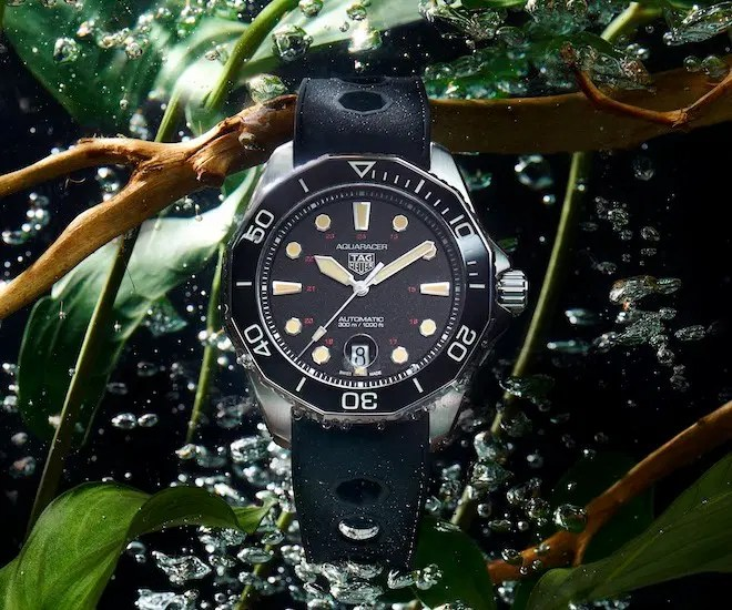 TAG Heuer Aquaracer in water
