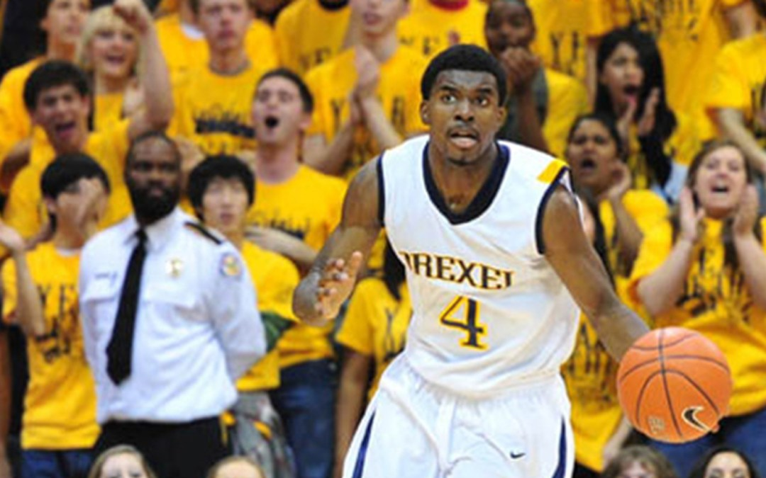 Huskies Use Huge First Half to Best Drexel, 85-52