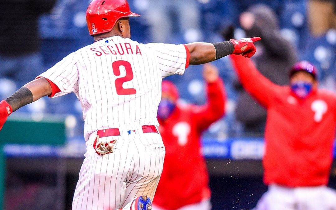 Phils Win Opener in Dramatic Fashion