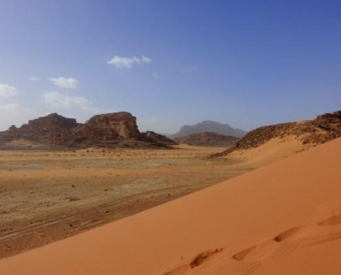 salire sulle dune nel deserto