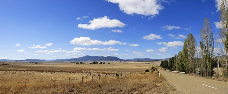 Drought-affected fields outside Benambra, Vic., Australia, in 2006