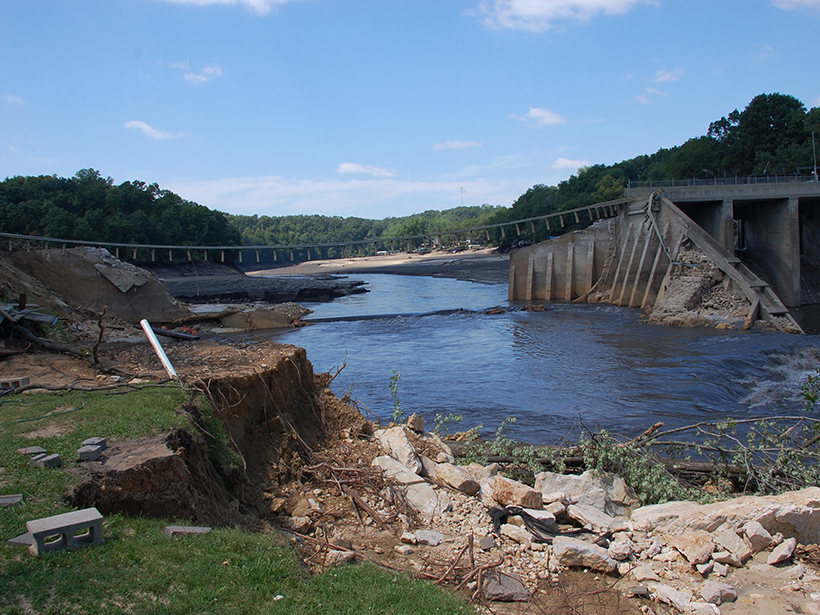 Dam failure in Iowa
