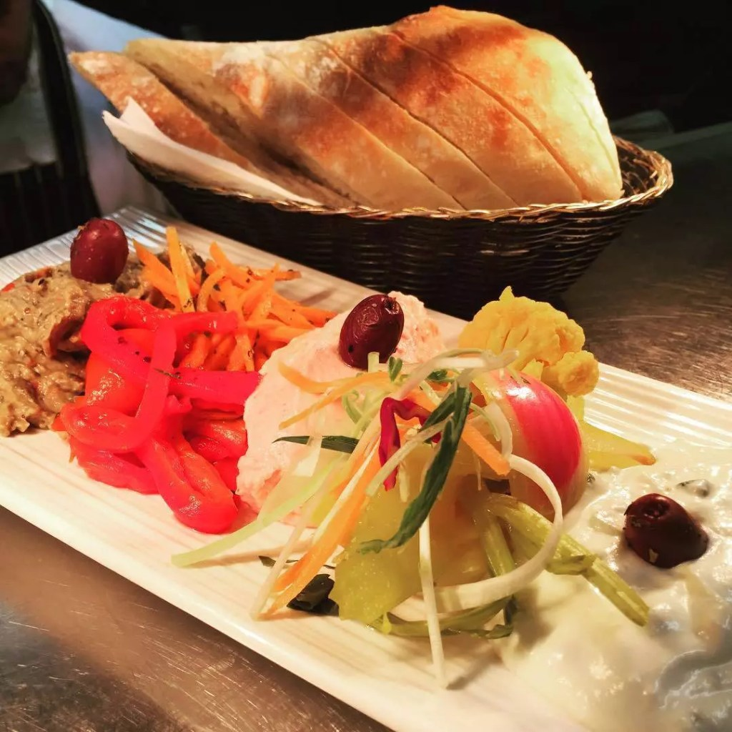 dips sharing platter EOS Greek Tavern
