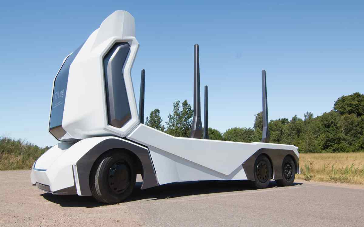 T-log by Einride is the world's first fully autonomous Electric Truck