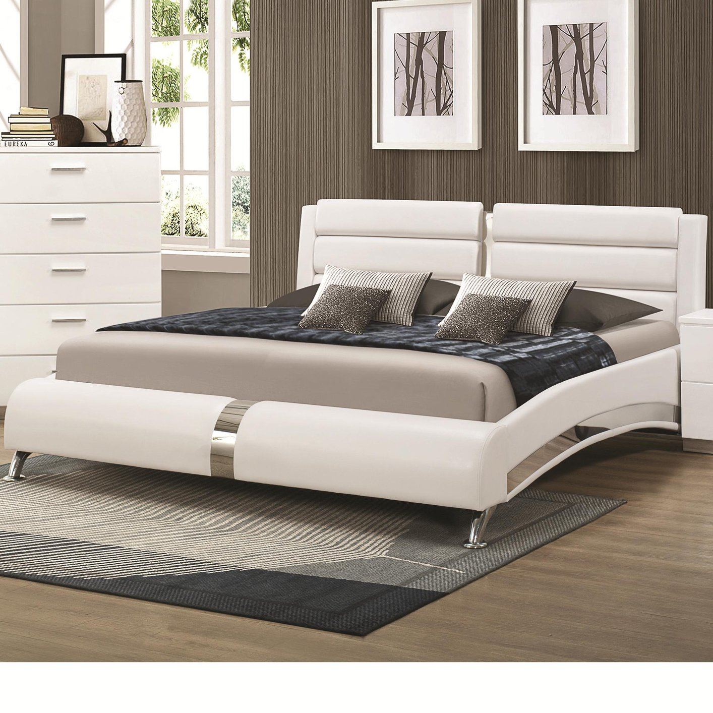 Coaster Q Silver Queen Size Wood Bed