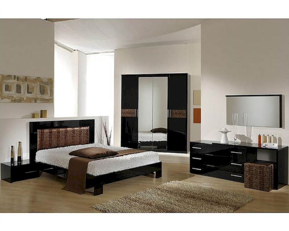 Modern Bedroom Set in Black/ Brown Finish Made in Italy