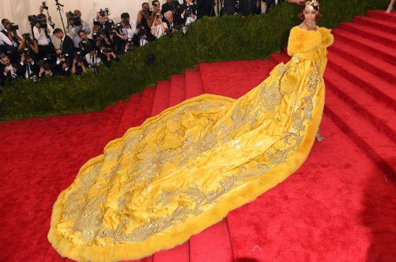 O Vestido De Rihanna Criao De Alta Costura Escolhido