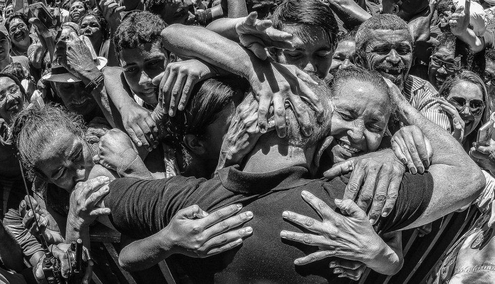 1554405053 400610 1554405568 album normal - SÃO PAULO E JOÃO PESSOA NO CIRCUITO: fotos de Lula são leiloadas e arrecadação passou de R$ 623 mil