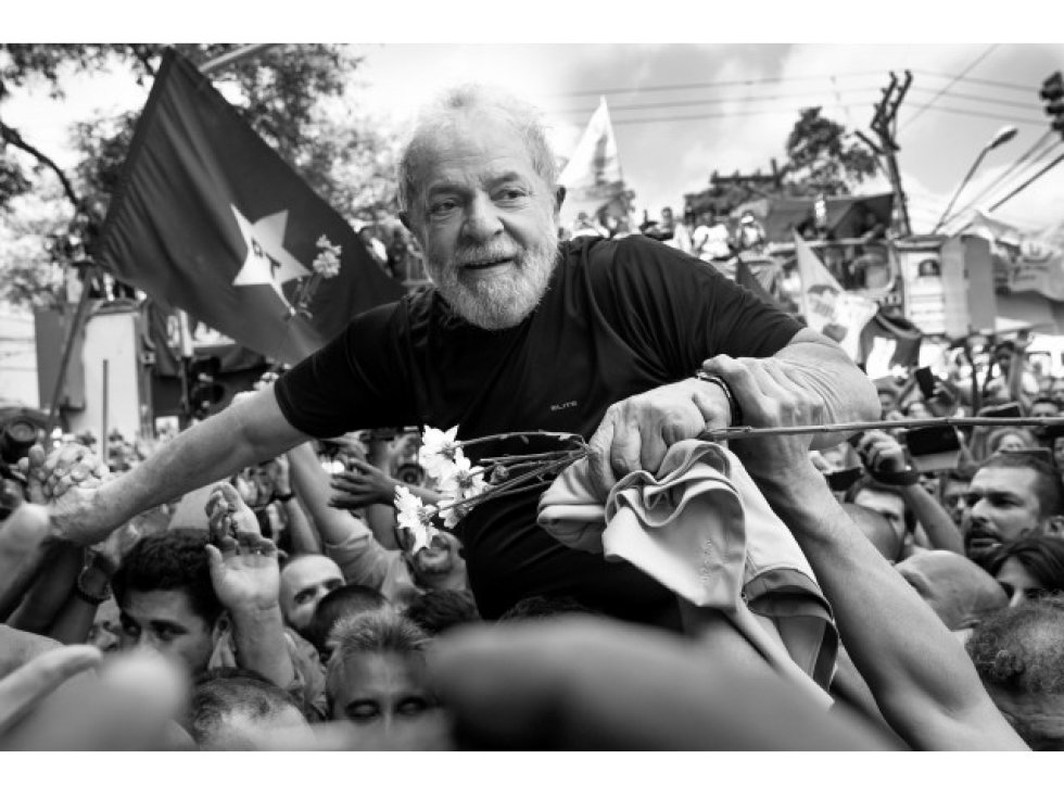 1554405053 400610 1554423482 album normal - SÃO PAULO E JOÃO PESSOA NO CIRCUITO: fotos de Lula são leiloadas e arrecadação passou de R$ 623 mil