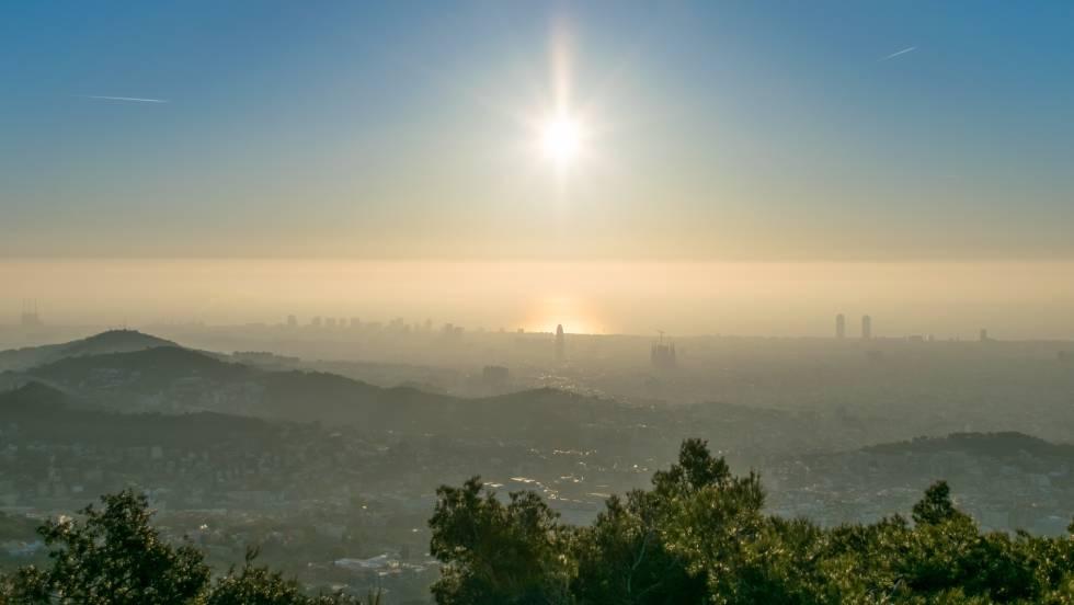 """Les associacions de veïns de Barcelona demanen mesures d'""""impacte"""" contra la contaminació"""