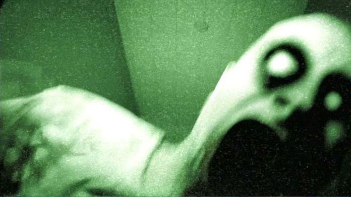 Resultado de imagen para fantasma de hombre en traje blanco