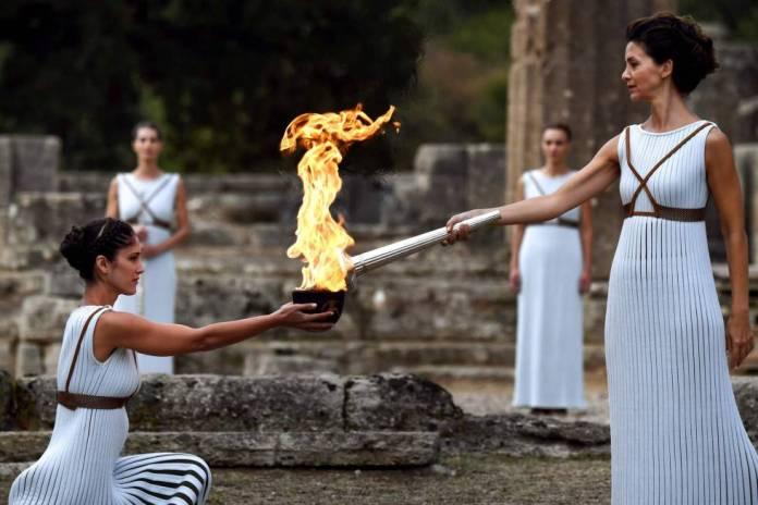 Resultado de imagen para Fotos de La llama olímpica