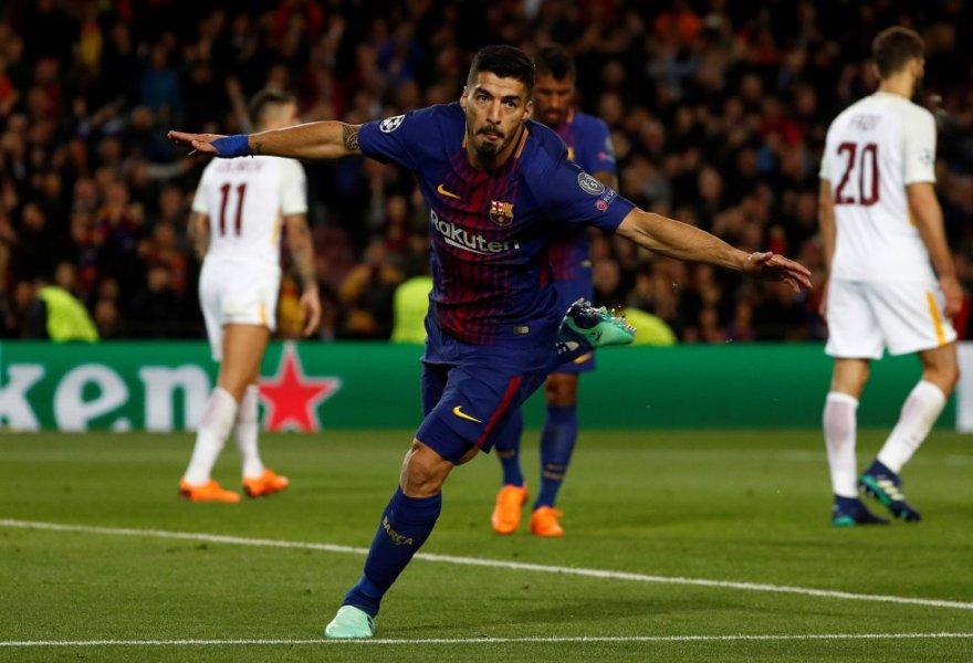 Luis Suárez celebra el cuarto gol.