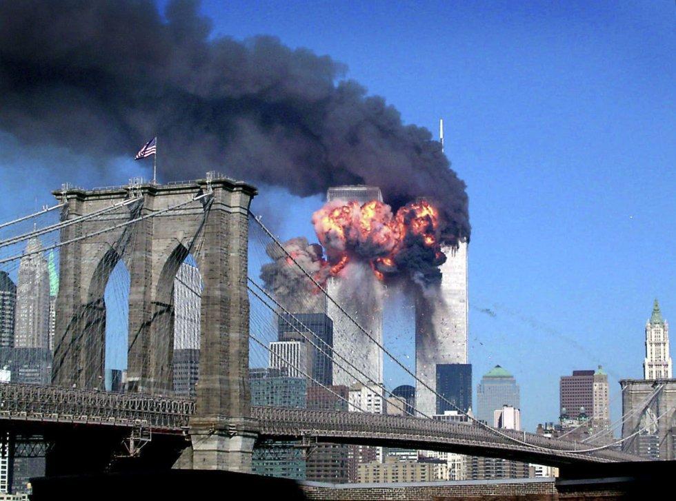 Momento en el que el vuelo de United Airlines 175 impacta contra el World Trade Center.