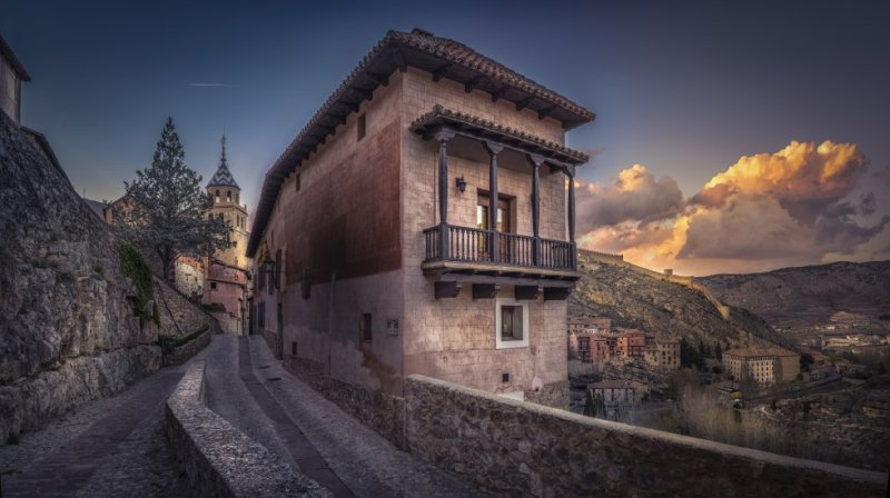 The El Viajero online vote for Spain's most beautiful villages was open from September 28 to October 2. A total of 4,853 people took part, with the rules stipulating that each person could only vote once, with a maximum of five choices. The winning village was Albarracín (above). The Salvador cathedral, the high walls and the historic quarter all make the village an essential stop for anyone visiting the province of Teruel. More information: albarracinturismo.com