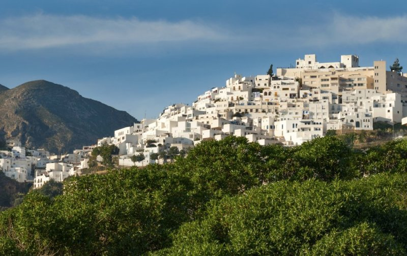 Mojácar sits atop a hill, in the foothills of Sierra de Cabrera, facing the eastern coast of Almería province. The village features a beautiful maze of narrow, winding streets, cube-shaped homes and white façades. More information: mojacar.es