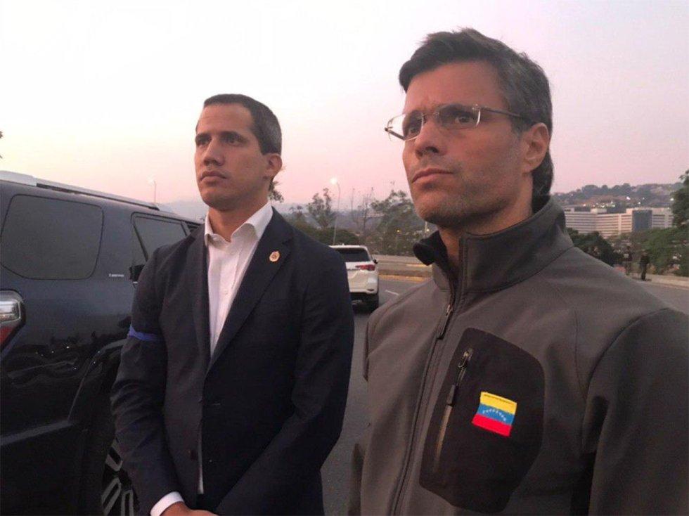 El dirigente Leopoldo López, liberado por militares opositores a Maduro
