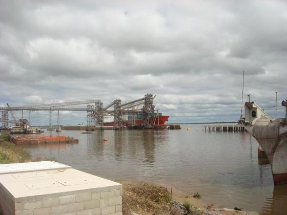 Uruguai e Argentina disputam os portos do rio da Prata  Internacional  EL PAS Brasil