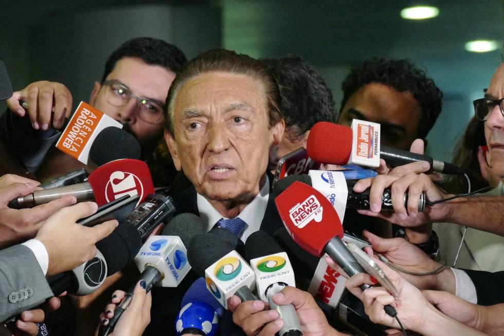 O senador Edison Lobão, em entrevista nesta quarta-feira.