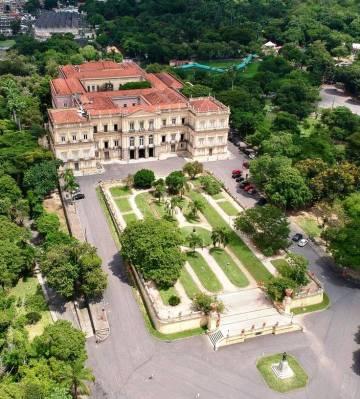 Imagem do prédio do Museu Nacional.