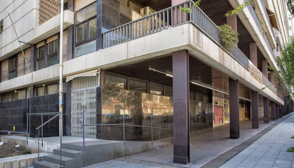Uno de los edificios okupas de Barcelona