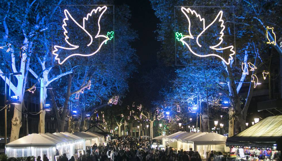 Els llums de Nadal de Barcelona recorden les vctimes de l
