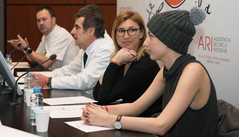 Ari (dcha.) en la presentación de la campaña en febrero de 2016