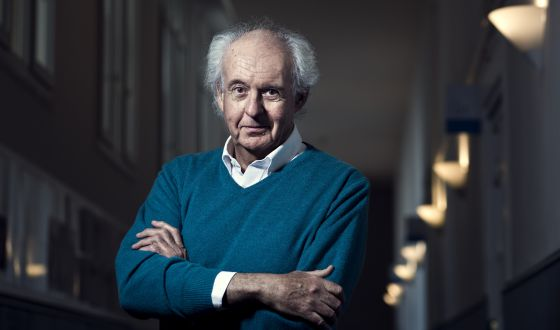 Roger-Pol Droit, el martes pasado, en el Instituto Francés de Madrid. / SAMUEL SÁNCHEZ