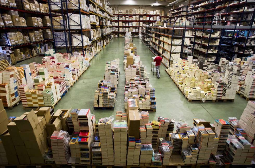 Armazém de Machado Sistribuidora em Boadilla, Madri, onde se armazenam entre cienco e seis milhões de livros.