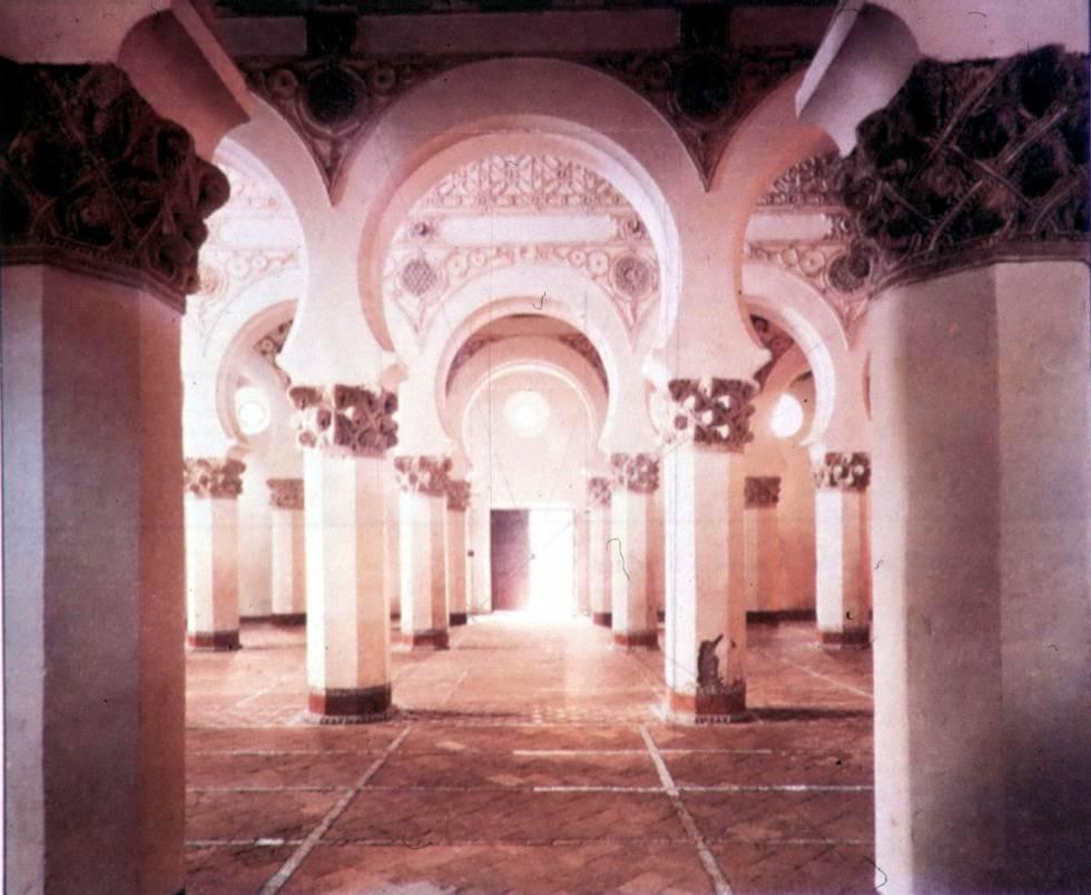 Interior de Santa María la Blanca antes de su restauración de los años 80  Imagen cedida por Francisco Jurado
