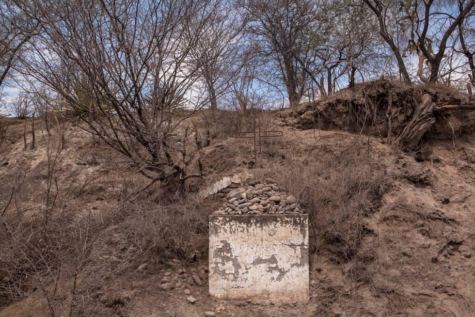 Montículo en recuerdo al asesinato del padre de Juan Rulfo