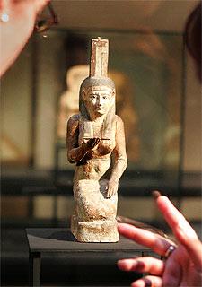 El Museo Egipcio exhibe la igualdad de la mujer en tiempo de los faraones  Edicin impresa  EL