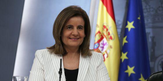 Fátima Báñez, el pasado viernes tras el Consejo de Ministros. / ULY MARTIN
