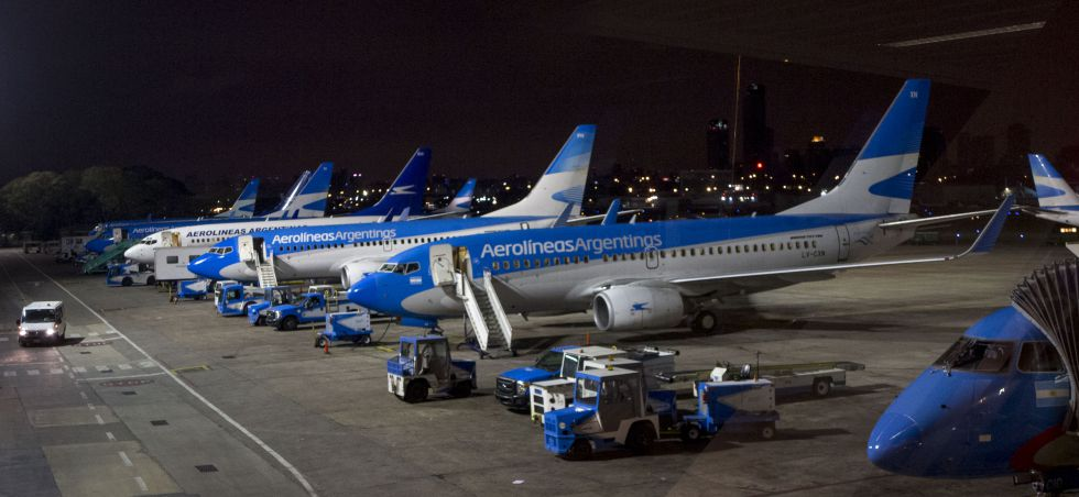 Flota de aviones de Aerolíneas Argentinas en el aeropuerto Jorge Newbery, Buenos Aires.