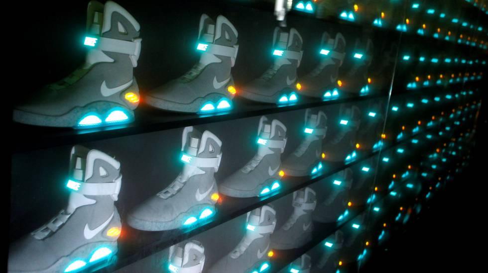 Zapatilla de diseño futuristas de la marca Nike