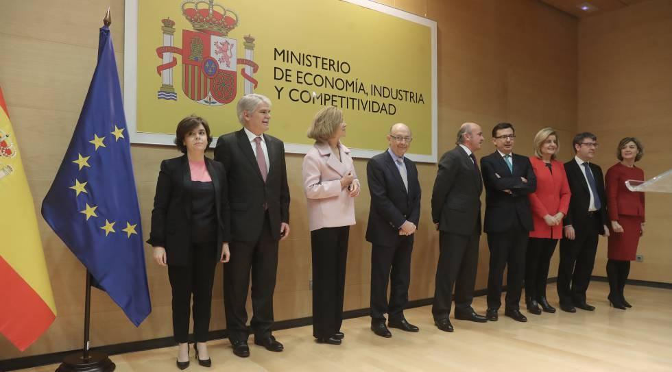 La vicepresidenta y siete ministros acompañaron a escolano en su toma de posesión.