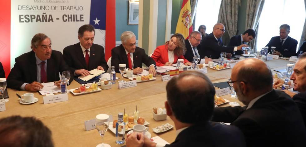 El presidente de Chile, Sebastián Piñera,y el presidente de la CEOE Juan Rosell.