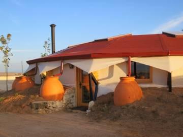 Casas hechas de cáñamo en Sepúlveda, del arquitecto Ricardo Higueras.