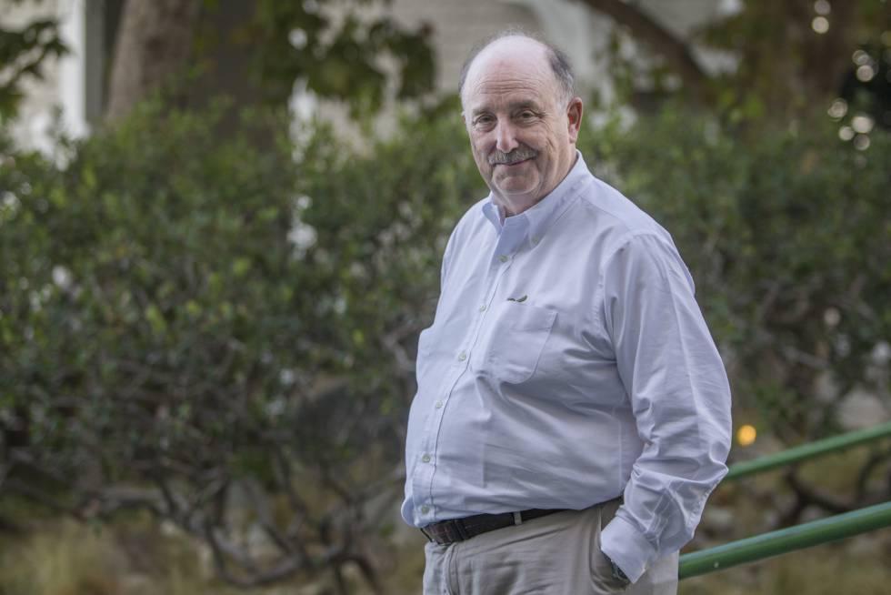 William Randolph Hearst III posa para EL PAÍS tras la entrevista en Santa Mónica.
