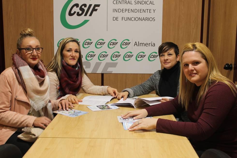 Empleadas de la empresa Acrena de Almería que han ganado la sentencia. De izquierda a derecha: Matilde Medina, Mª Mar Manzano, Rocío Viciana y Dulce Grancho.