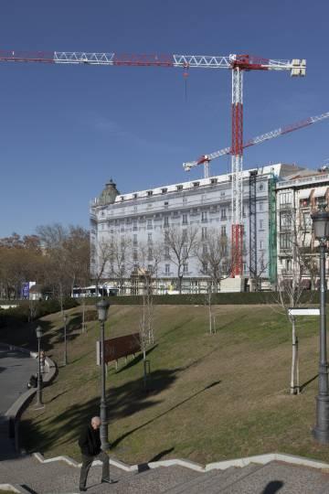 Vista del Hotel Ritz en obras.