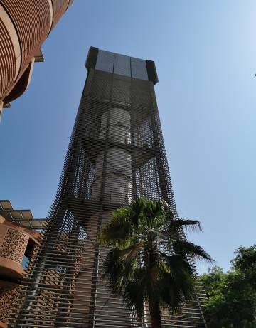 Torre de viento en la ciudad de Masdar.